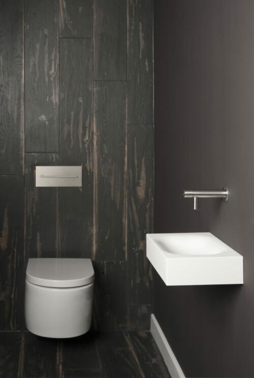 Renesse-showroom-500x743