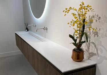 solid-surface-badkamermeubel-ijzendijke-overzicht