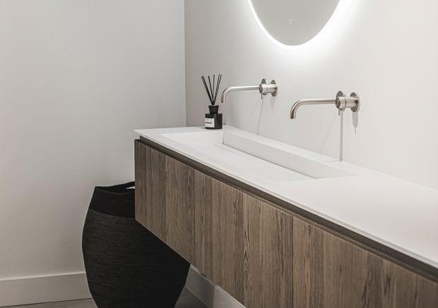 solid-surface-badkamermeubel-ijzendijke-sfeer-1