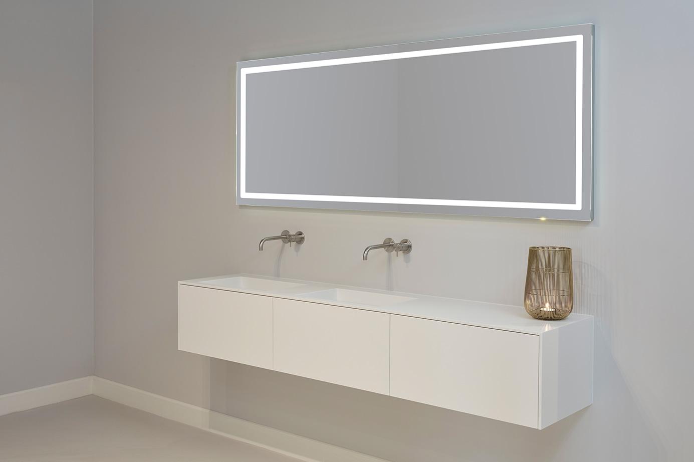 Badkamerspiegel Met Verwarming.Badkamerspiegel Met Verlichting En Verwarming Tiz Design